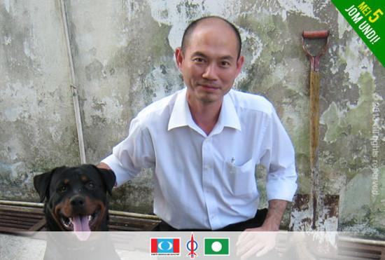 Lim Lip Eng Bersama Anjing