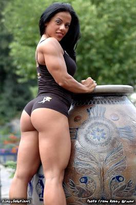 http://2.bp.blogspot.com/-aRF8HjVkjZs/TfiLFonx66I/AAAAAAAAA44/YZjJA_bCXSg/s1600/mavi-gioia-female-muscle-sexy.jpg