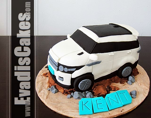Side view picture of Range Rover sculpture cake