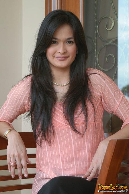 Donna Harun (lahir di Bandung, Jawa Barat, 21 Februari 1968) adalah ...