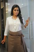 Poorna latest Glam Pics from Nuvvala Nenila Movie-thumbnail-18