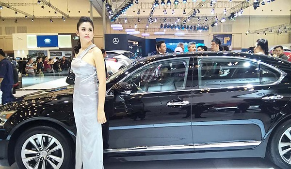 Foto SPG Gaikindo Indonesia International Motor Show
