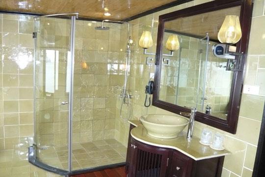 Bathroom - Emeraude Cruise