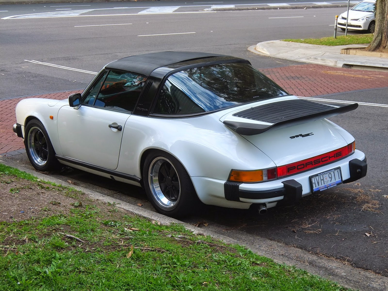 aussie old parked cars 1978 porsche 911 sc targa. Black Bedroom Furniture Sets. Home Design Ideas