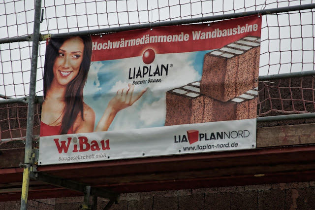 Baustelle Einfamilienhäuser, Massivbauweise mit Liaplan Hochwärmedämmende Planbausteine, Am Wartenberger Luch, Am Kletterplatz / Am Genossenschaftsring, 13059 Berlin, 03.09.2013