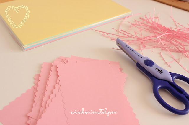 renkli kağıt, tırtıklı makas
