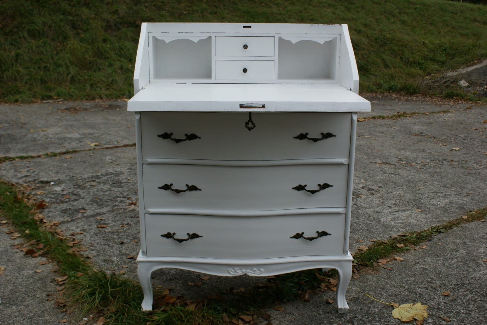 willy 39 s shabby chic schaffhausen und ein neuer sekret r wurde fertig. Black Bedroom Furniture Sets. Home Design Ideas