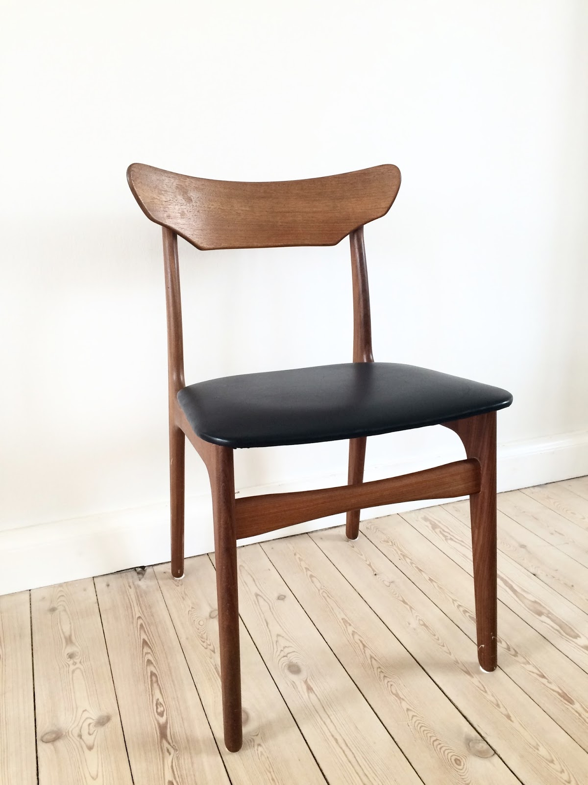 Retro furniture: schiønning & elgaard teak stol
