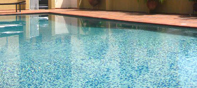 Amara Suites swimming pool