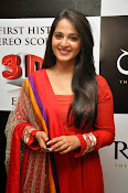 Anushka at rudramadevi trailer launch-thumbnail-1