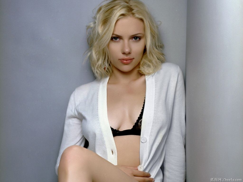 Glamour Actress Life: Best Images Of Scarlett-Johansson
