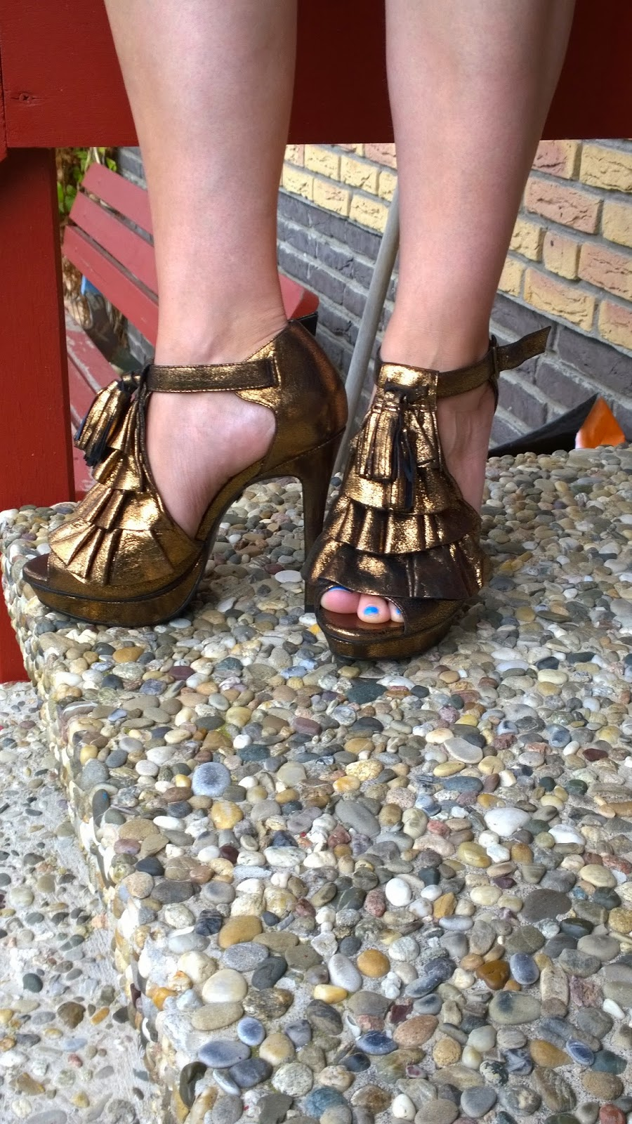 Funky gold or bronze sandals with tassles - A