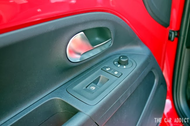 Volkswagen cross up! (Red)
