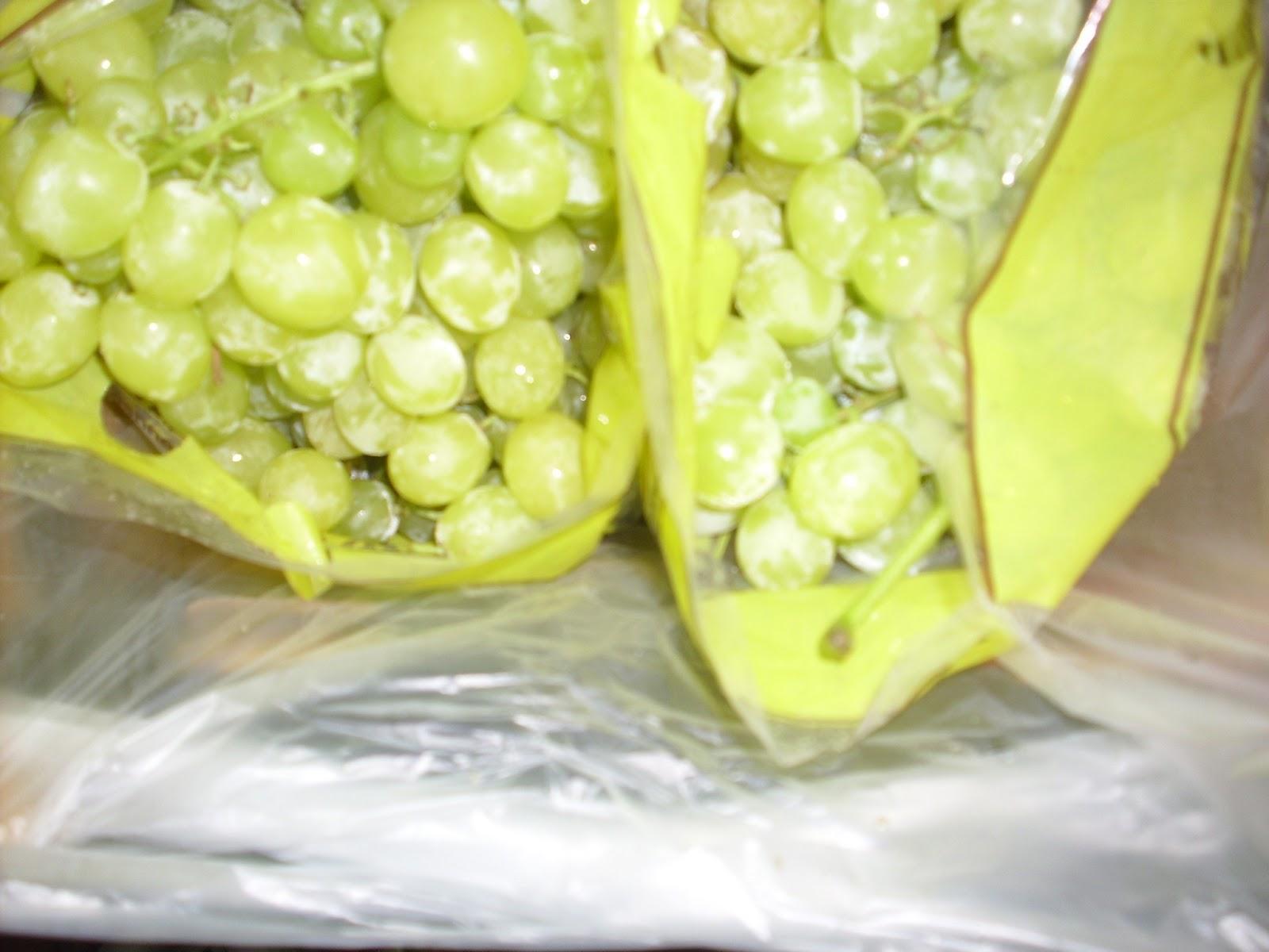 yellow_grapes_egypt