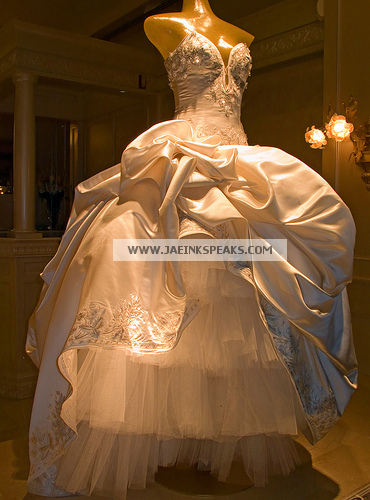 BEYONCE 39S WEDDING DRESS MADE BY