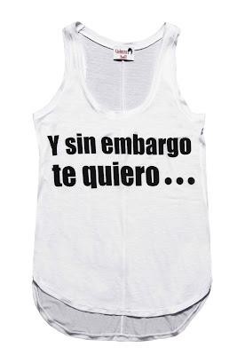 Camiseta de tirantes con slogan de Dolores Promesas tendencia de verano