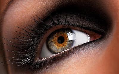 http://2.bp.blogspot.com/-aU1mo_7iBWM/Tbrm1lwcYHI/AAAAAAAACYs/SR6ovk6Na3o/s1600/beautiful%2Bgirls%2Bwallpaper-beautiful-girl-eye-wallpaper.jpg