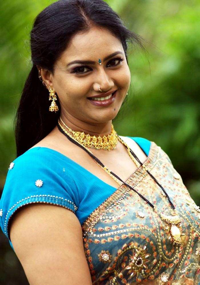 Tags: Raksha Latest Yellow Saree Stills, Raksha Spicy Hot Saree Photos ...