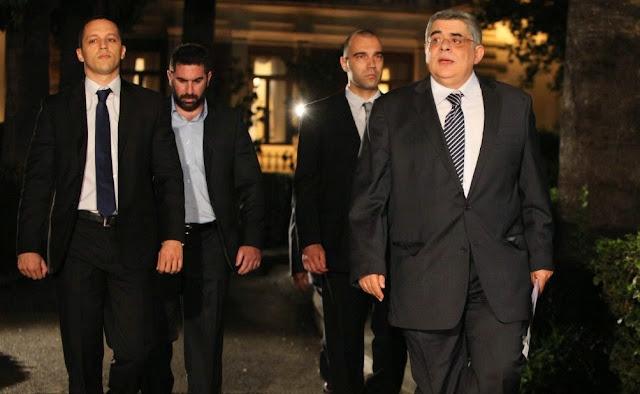 """Ο Κώστας Αλεξανδράκης απαντά στις ερωτήσεις της Πόπης Σουφλή από τα """"Αττικά Νέα"""": """"Η φυλάκιση του Αρχηγού και των βουλευτών της ΧΡΥΣΗΣ ΑΥΓΗΣ, είναι κατάλυση της Δημοκρατίας"""""""