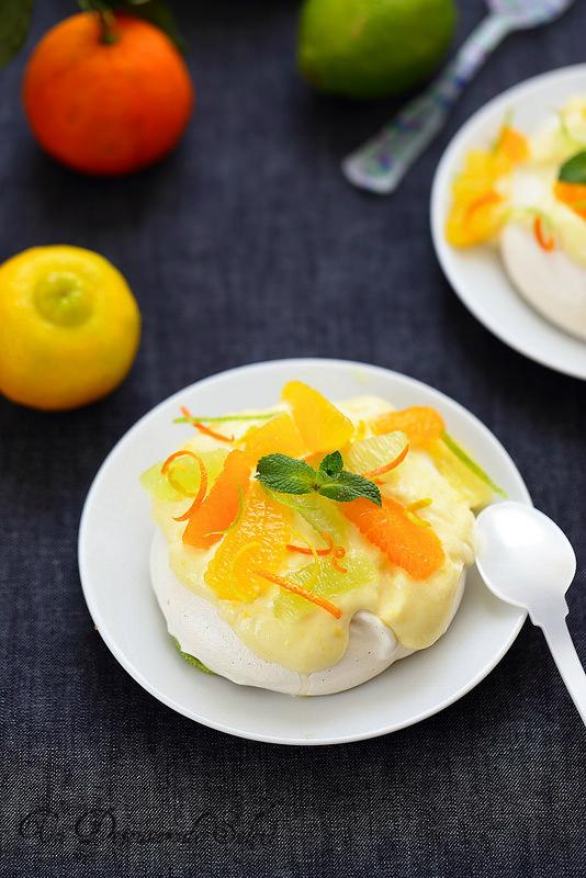 Pavlova aux agrumes (orange, clémentine, citron vert et citron bergamote)