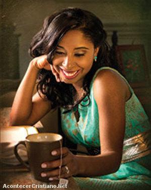 """Lilly Goodman presenta su nuevo sencillo """"Es Tu Amor"""""""
