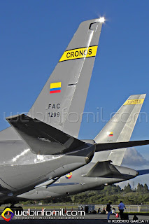 """Aviones de transporte estratégico Boeing 737-400F """"Cronos"""" y Boeing KC-767 """"Júpiter"""" Fuerza Aérea Colombiana"""