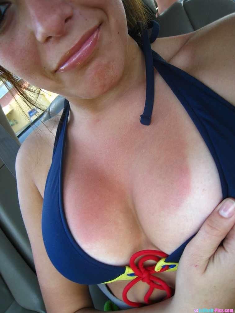 Jailbait Tits Teen Hoties Show Off Cleavage