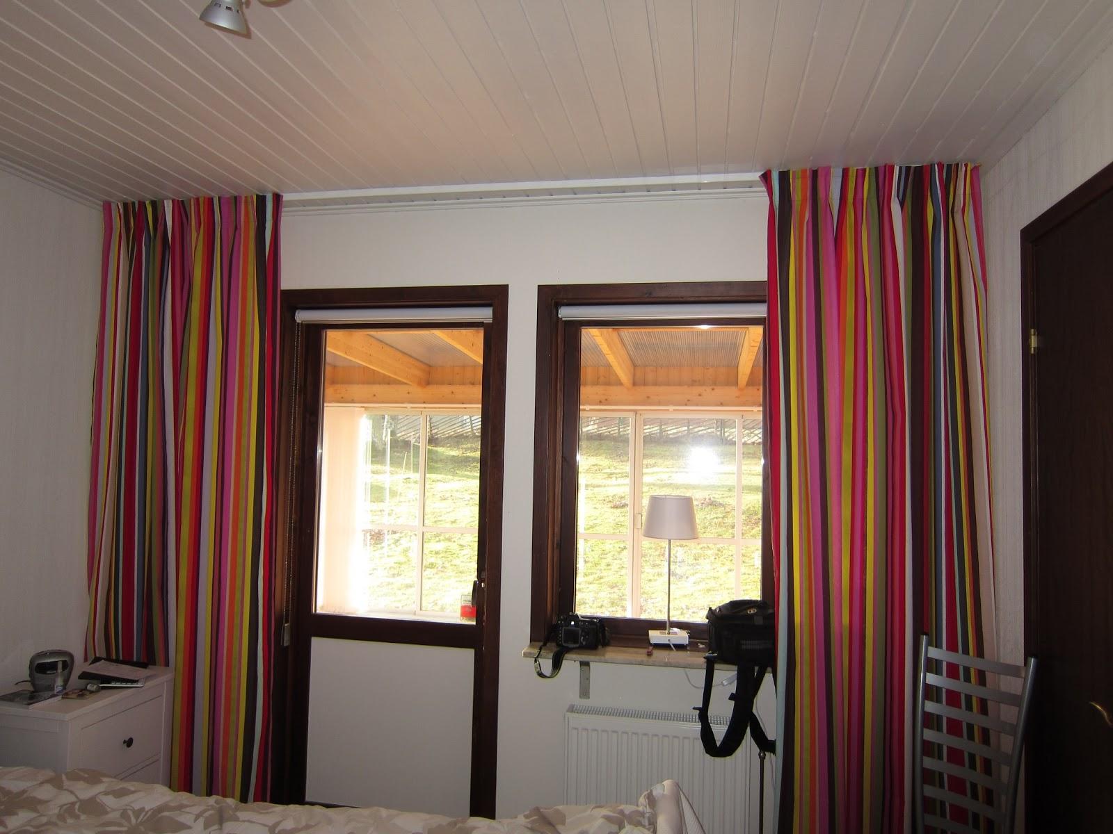 Mammas pyssel Nya gardiner i sovrummet