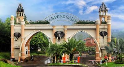 pintu masuk kampung gajah lembang