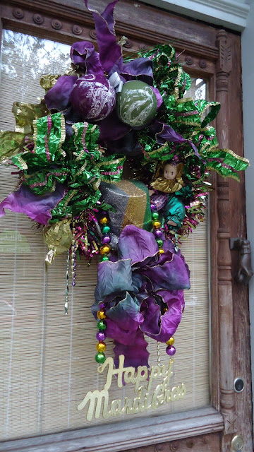Decorate Your House For Mardi Gras