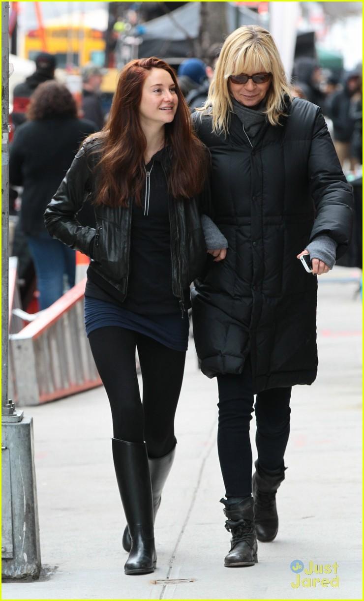 Shailene Woodley como Mary Jane Watson en The Amazing Spider-Man 2 (Set Photos)
