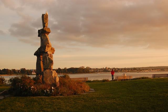 Statue of Ilanaaq
