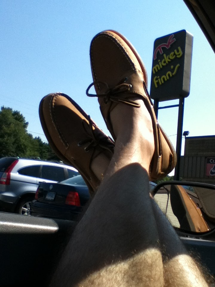 boat shoes sockless