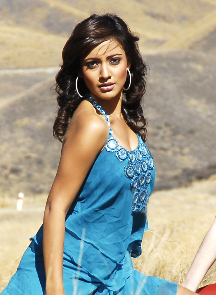 Neha Sharma Hot Neha Sharma | Bollywoo...