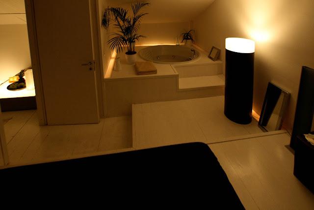 Vendesi loft milano a3 c3 - Vasca da bagno in camera da letto ...