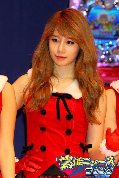 Park JIYEON T-ARA 2012 Christmas Picture