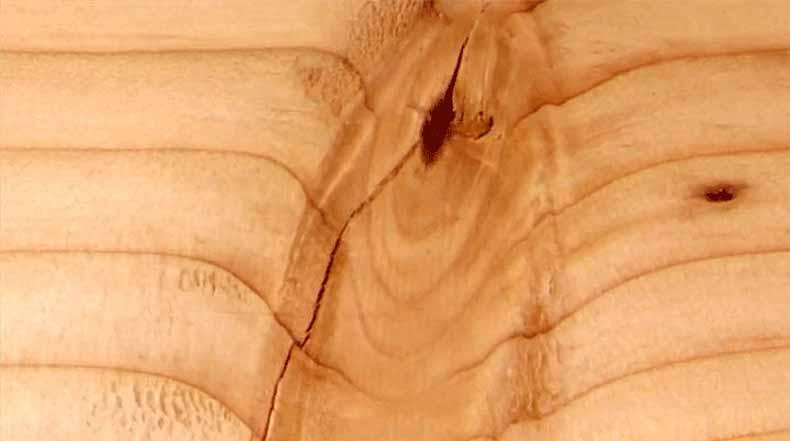 Animación en stop-motion de corte de madera milímetro a milímetro crea ondas como de agua