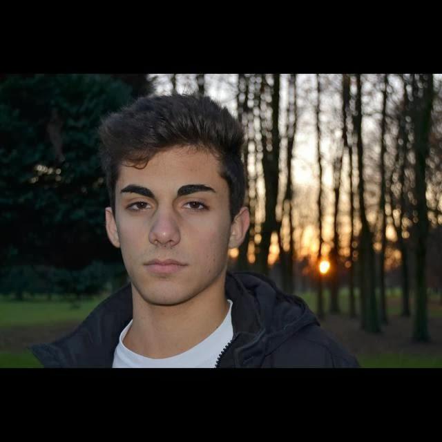 16 anni,Milano.