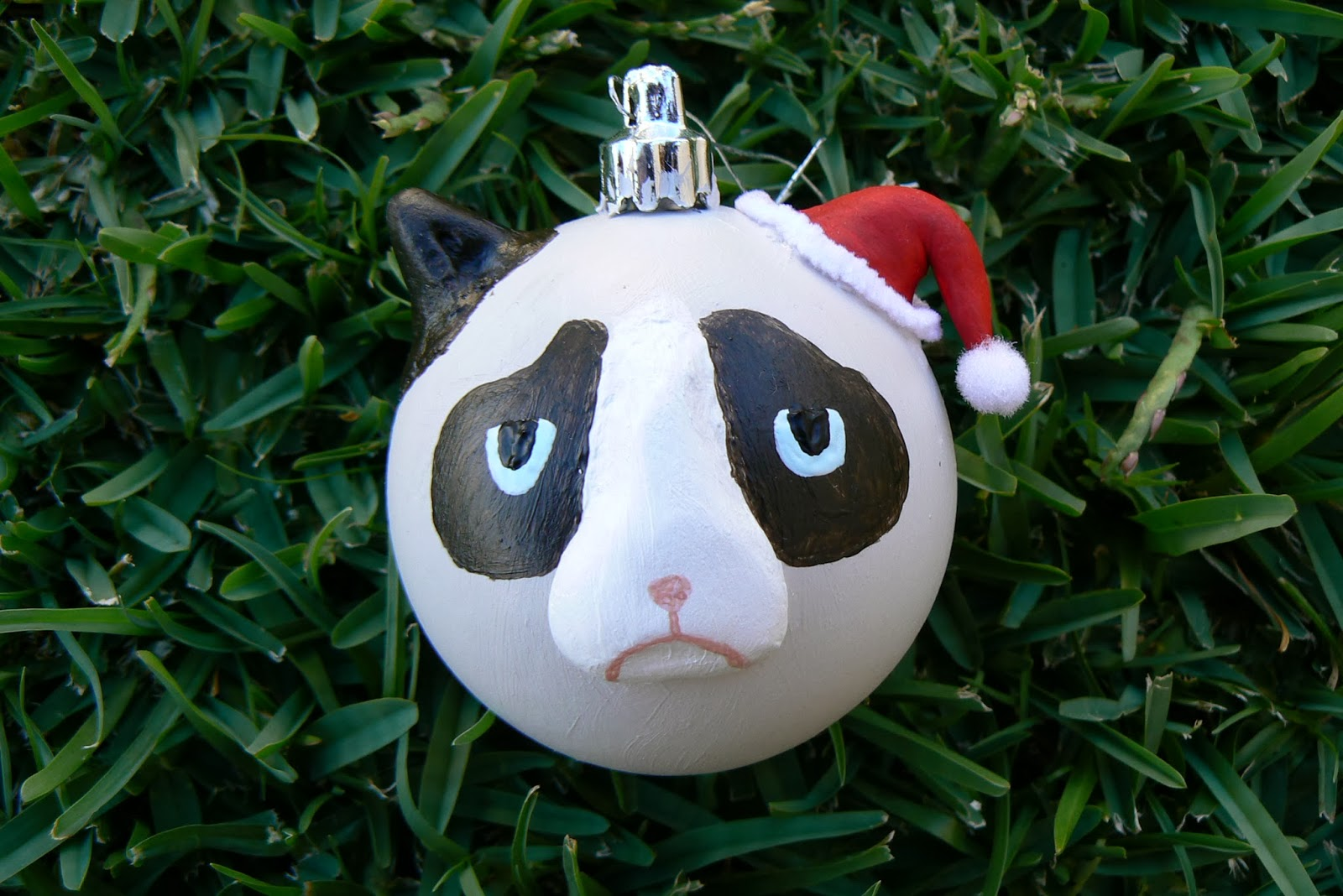 Grumpy christmas ornament - Simply Hang Your Grumpy Ornament Wherever You Think It Will Remove The Most Joy And Cheer