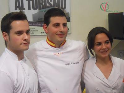 Juan Antonio y sus ayudantes Alex y Myriam.