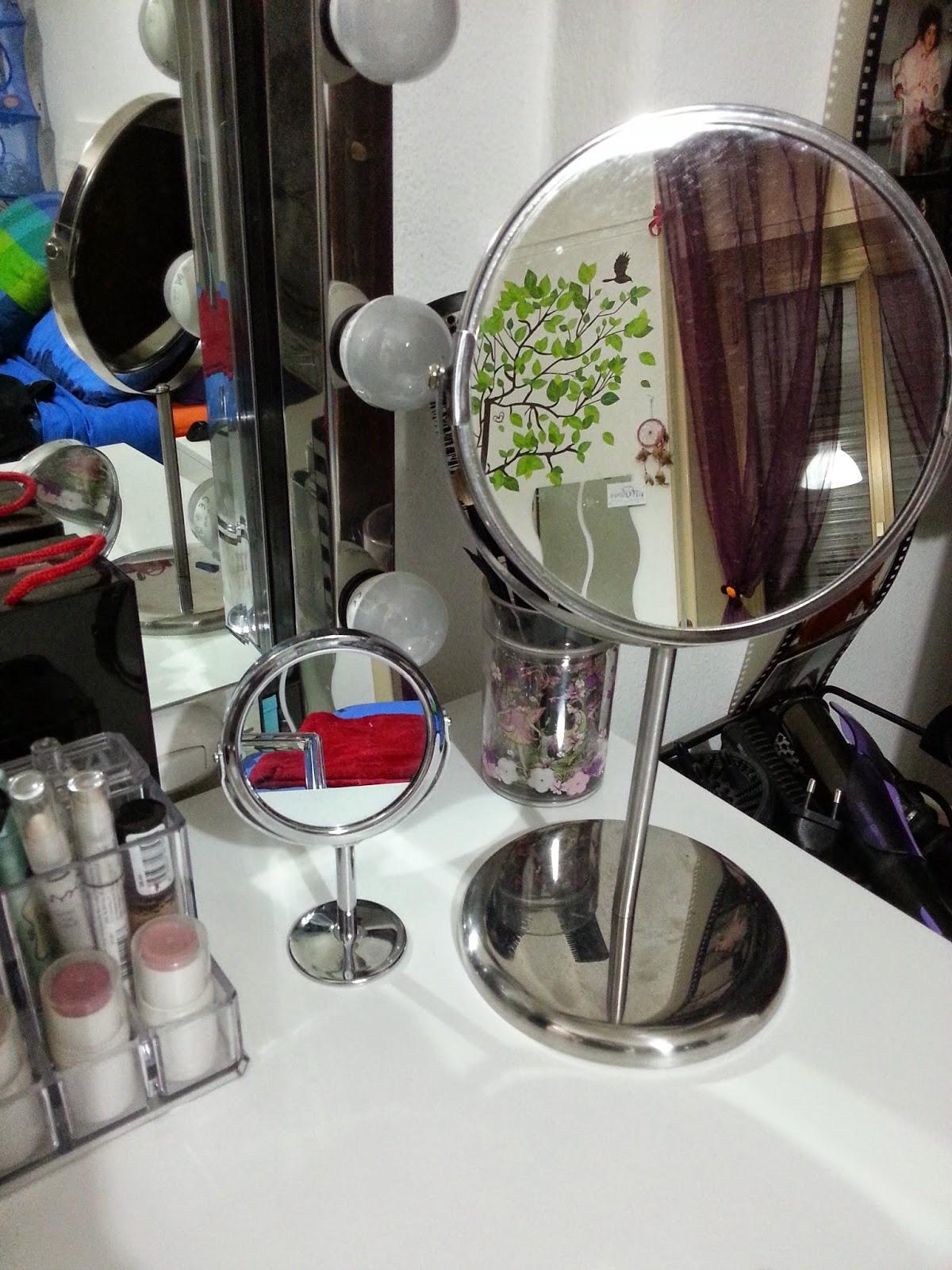 My vanity table ari smile - Porta smalti ikea ...