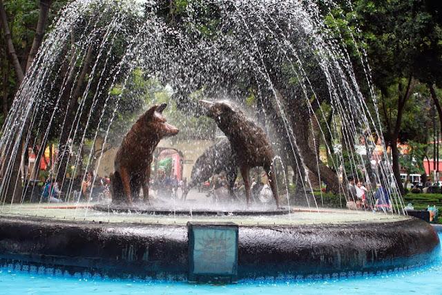 sculpture jardin del centennario coyoacan