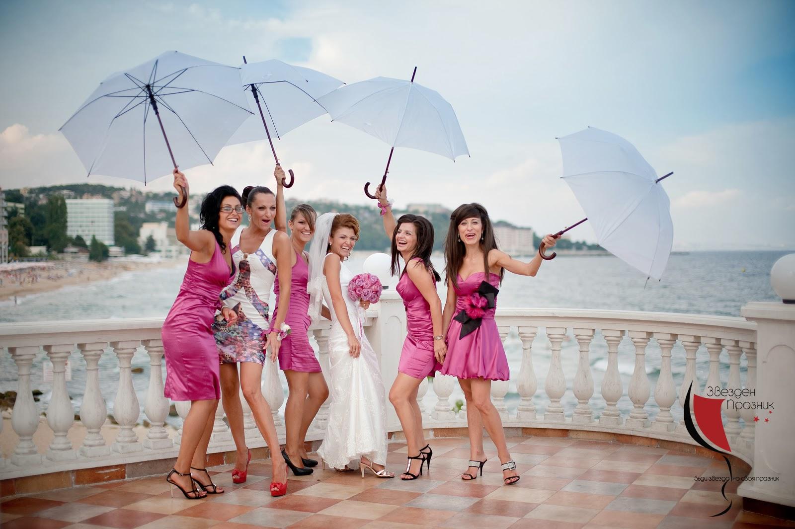 шаферки с розови шаферски рокли на Златни Пясъци