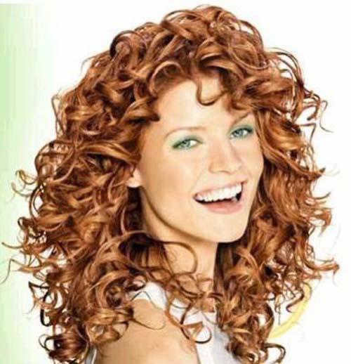 Colore capelli ricci occhi verdi