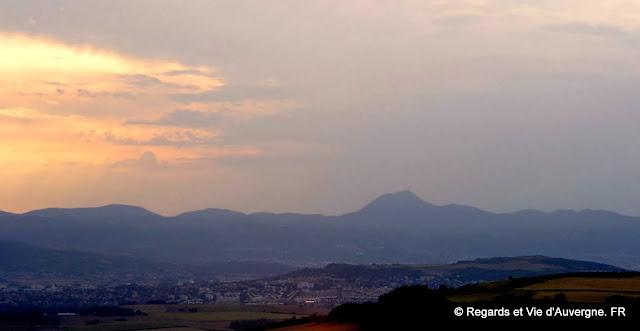 Le Puy-de-Dôme et les Monts Dômes