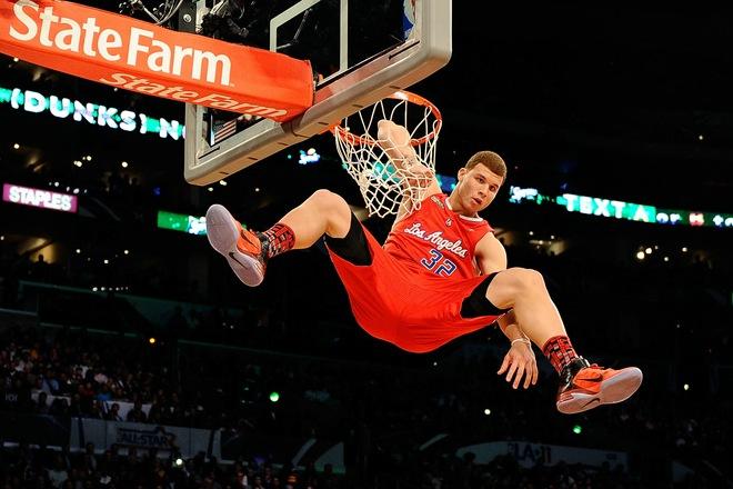 vince carter dunks on 7 footer. vince carter dunk contest.