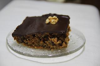Ciasto marchewkowe z ganaszem z ciemnej czekolady (ganache au chocolat)