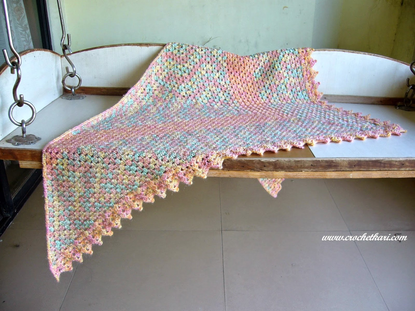 crochet triangle granny shawl