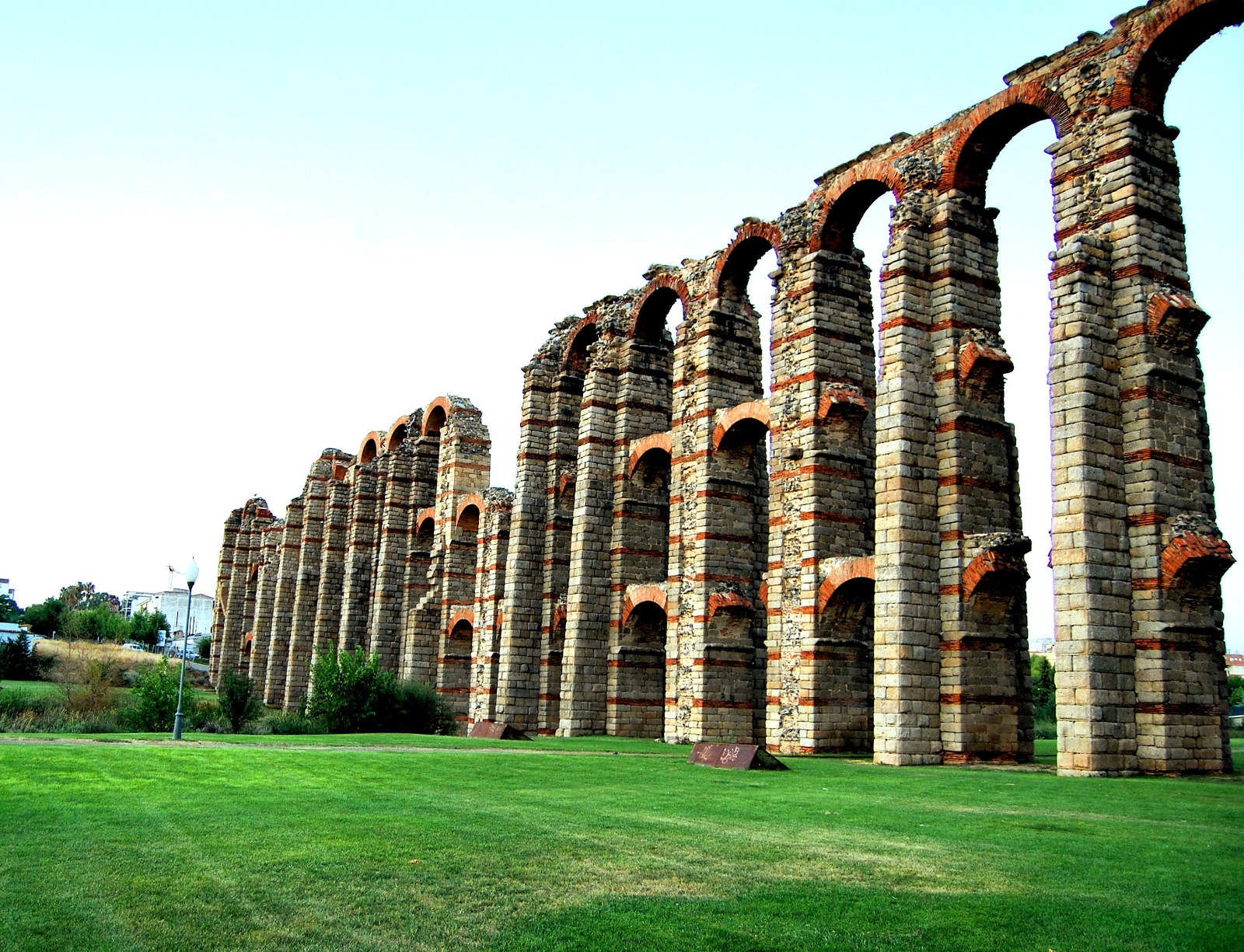 El Acueducto de los Milagros de Mérida ~ Adictos a los viajes - Blog de viajes