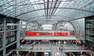 Berliner Hauptbahnhof wird als vorbildlicher Ort für barrierefreie Verkehrsinfrastruktur geehrt